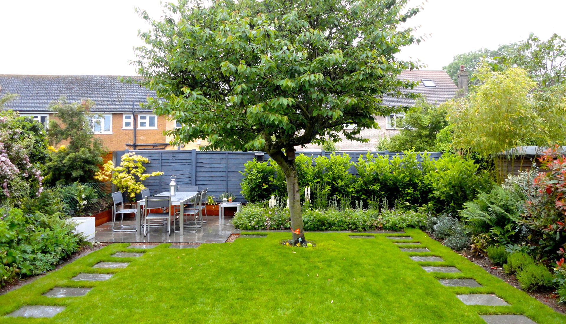 Designs For Small Square Old Fashioned Gardens